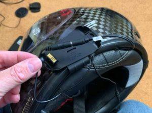 cardo-backtalk-bold-bluetooth-headset-connectors